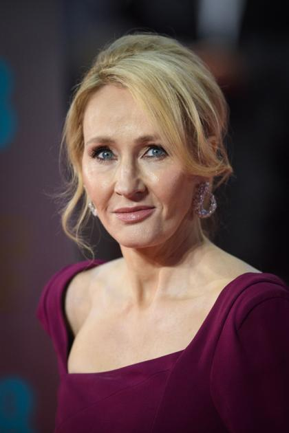 J K  Rowling's retroactive editing of Harry Potter series