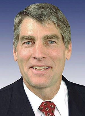 Sen. Udall faces tight reelection race, poll says