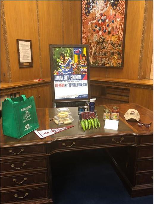 Garcia governor desk