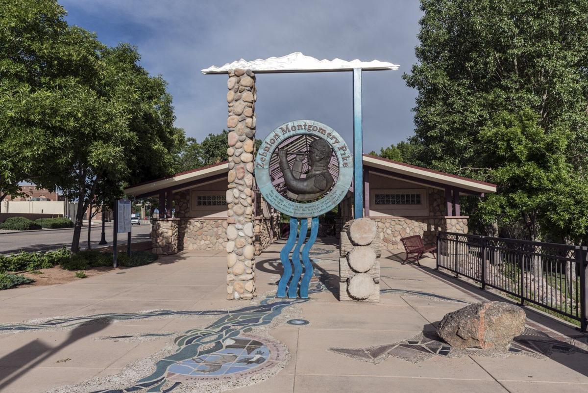 Pueblo Pike marker