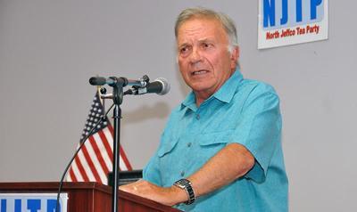 Tancredo endorses Stapleton in governor's race