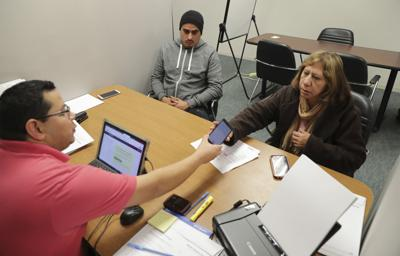 Poll: Latinos face health care communication barriers