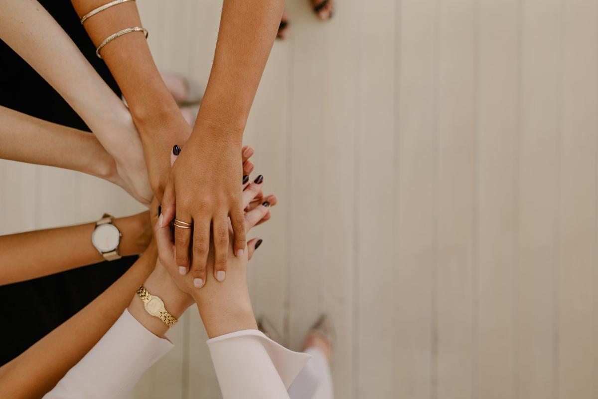 women teamwork.jpg