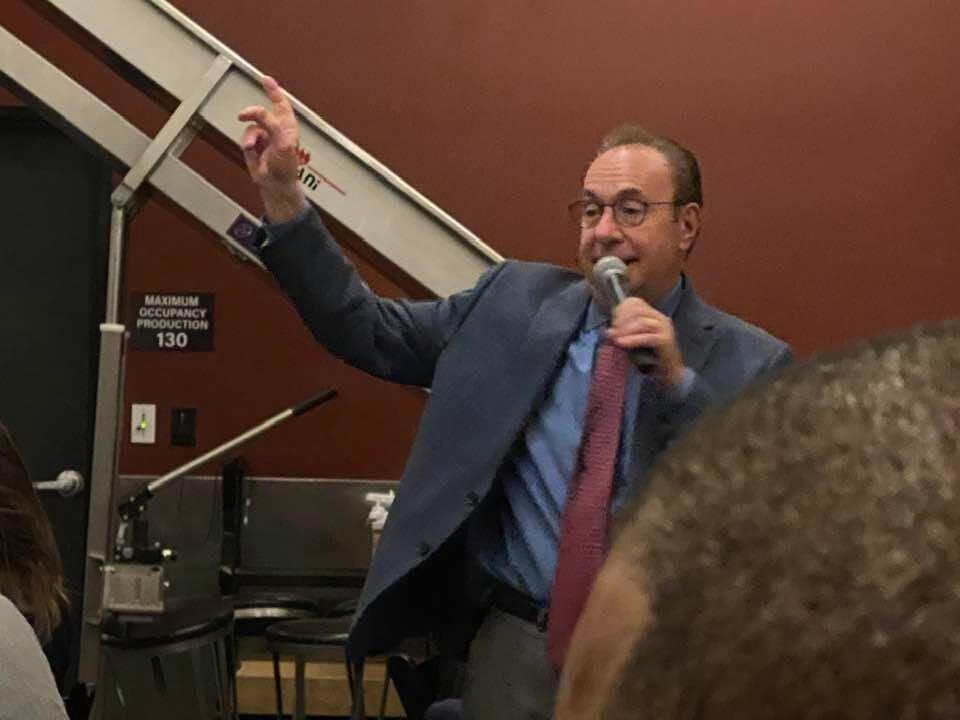 Master of ceremonies Gary Shapiro from 9News.