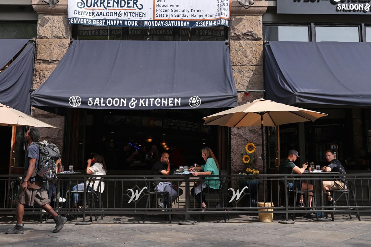 100320-dg-outdoor-dining0004.JPG