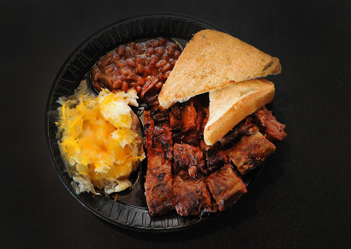 Dining Review: Tangy flavors, friendly staff at Bird Dog BBQ