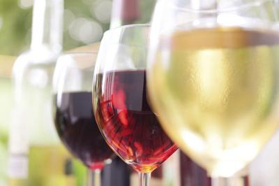 Manitou Springs wine bars offer sips, bites and wine education during wine walk