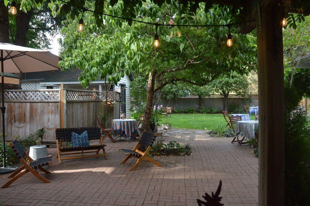 Backyard  RubyJune Inn