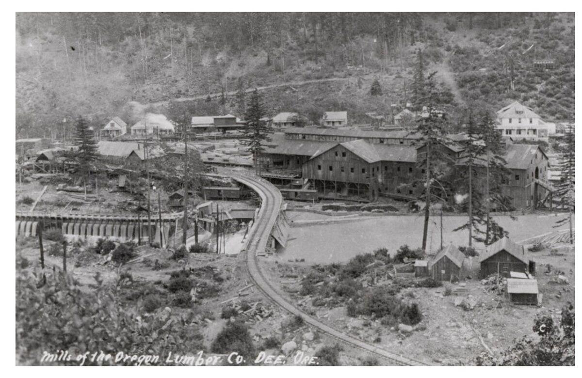 Oregon Lumber Company built Dee Mill