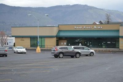Hood River News building