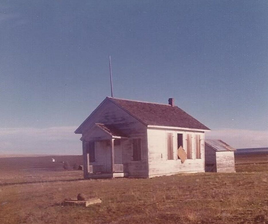 B3 Criterion-Schoolhouse-Historical.jpg