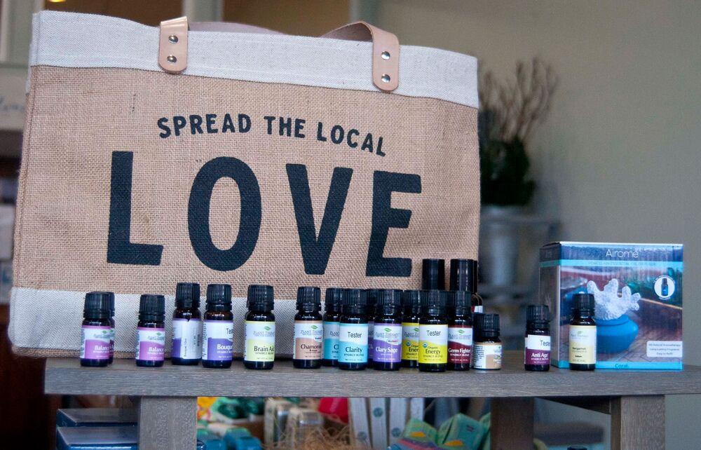 WEB-Herbal-Revival-love.png