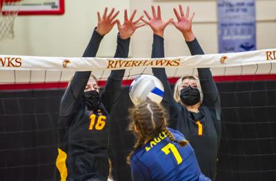 The Dalles versus Hood River Valley, varsity volleyball