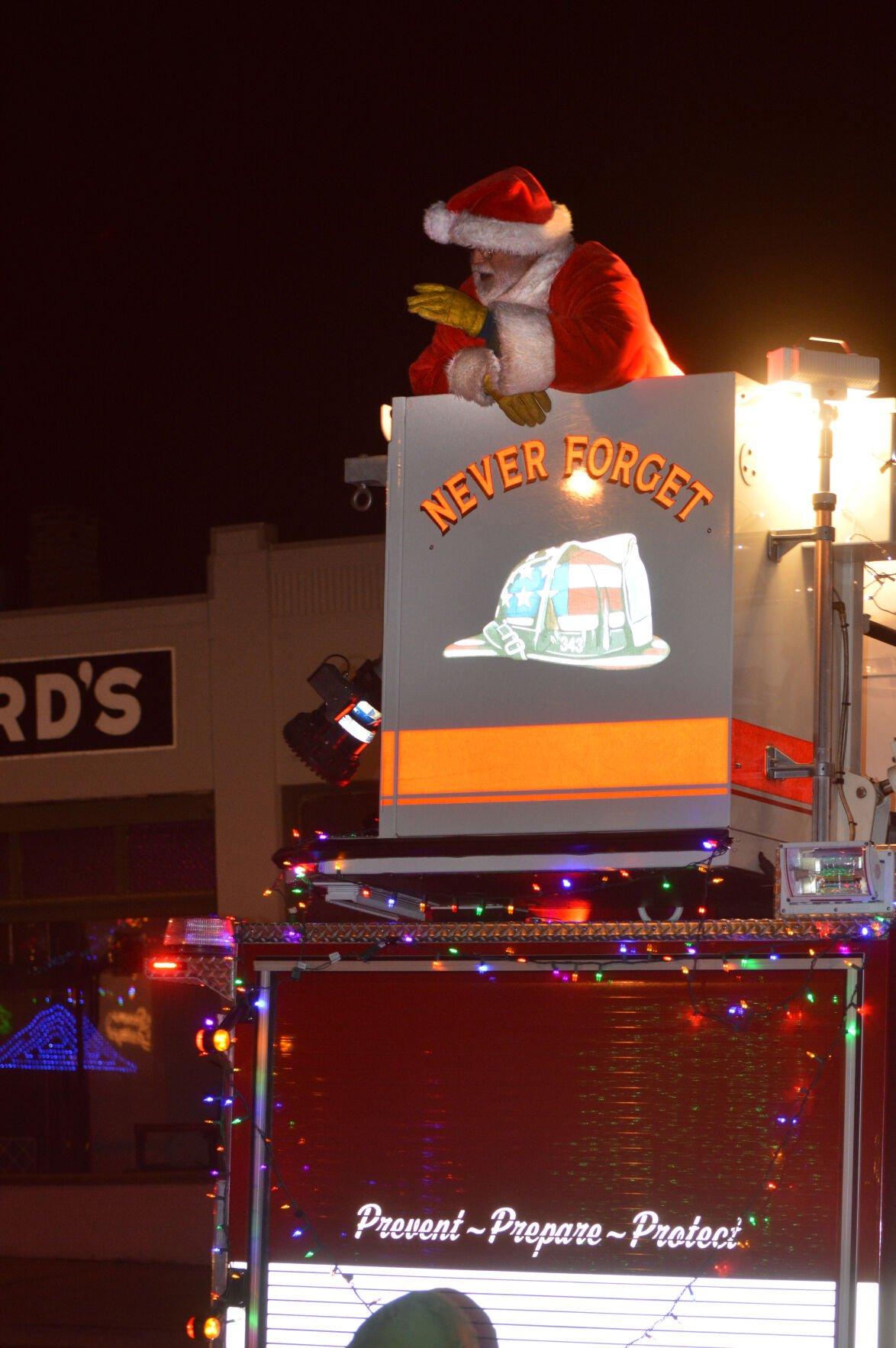 Hood River Tree Lighting and Firetruck Parade