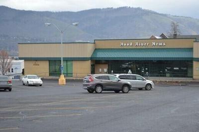 Natural Grocers Hood River News building