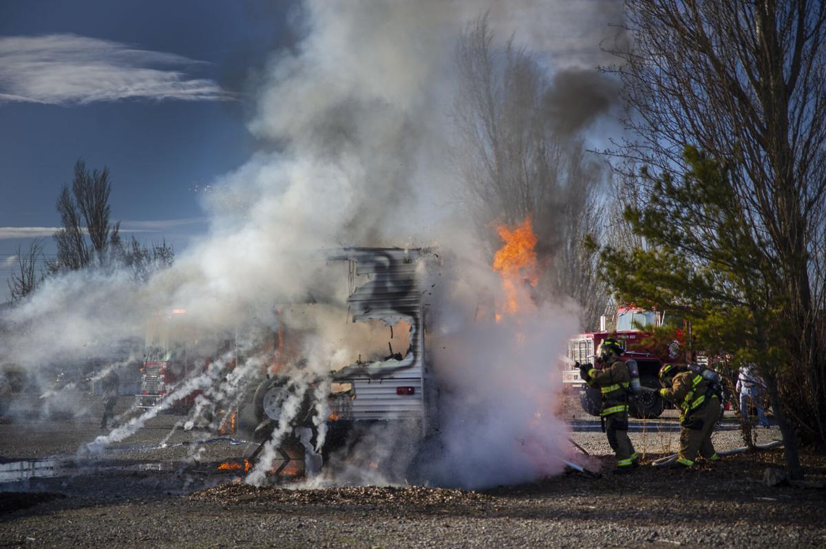 Dallesport Motor Home Fire