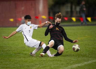 The Dalles versus Hood River Valley, boys soccer