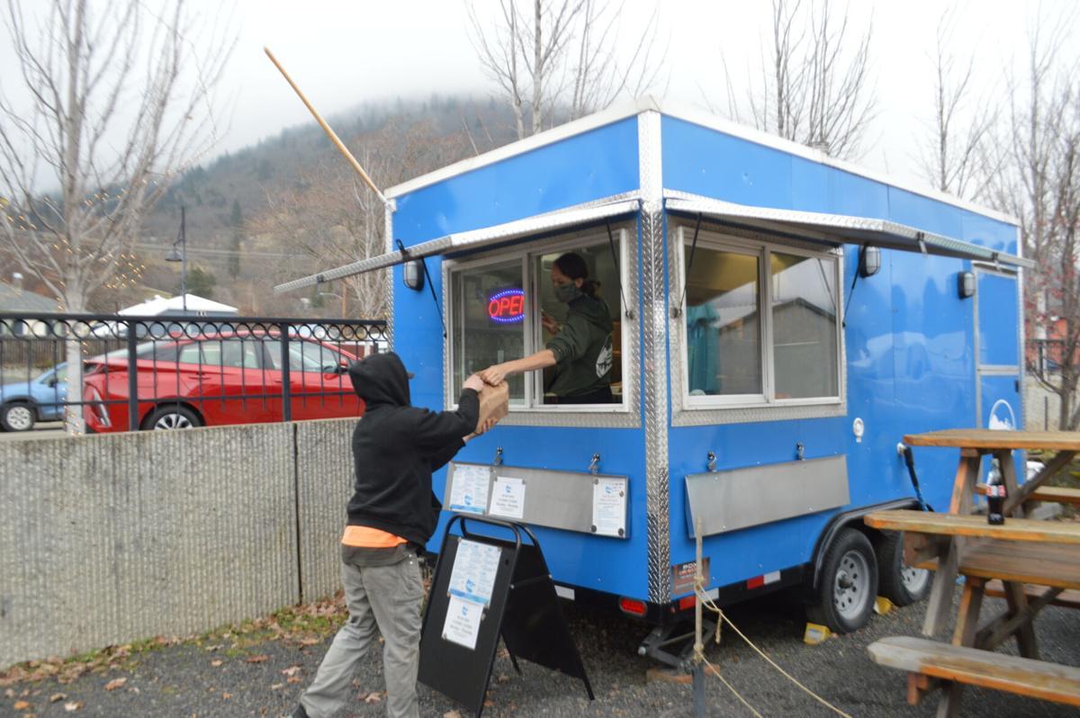 12-9 WS restaurants, huck truck 2.JPG
