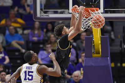 Tray Jackson dunks against LSU