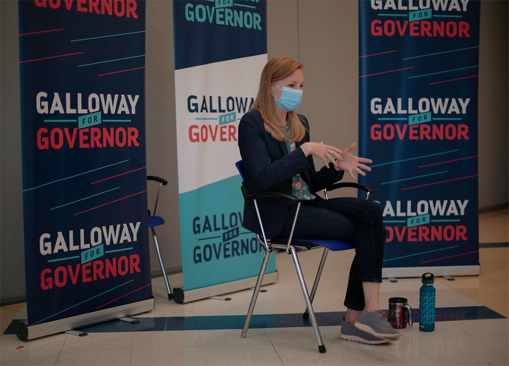Mo. gubernatorial candidate Nicole Galloway talks to two Missourian reporters