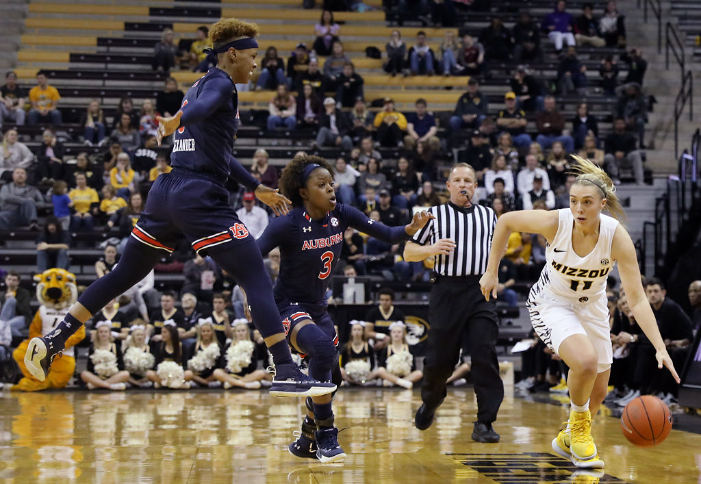 Cunningham S Lights Out First Half Pushes No 25 Missouri