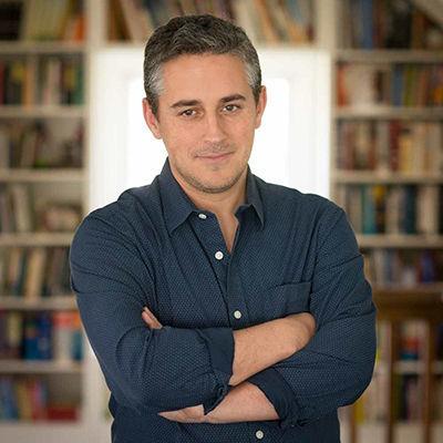 Novelist Alex George will open a new bookstore