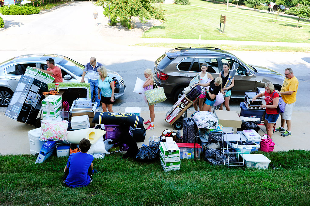 Students eligible for early move-in gather their belongings