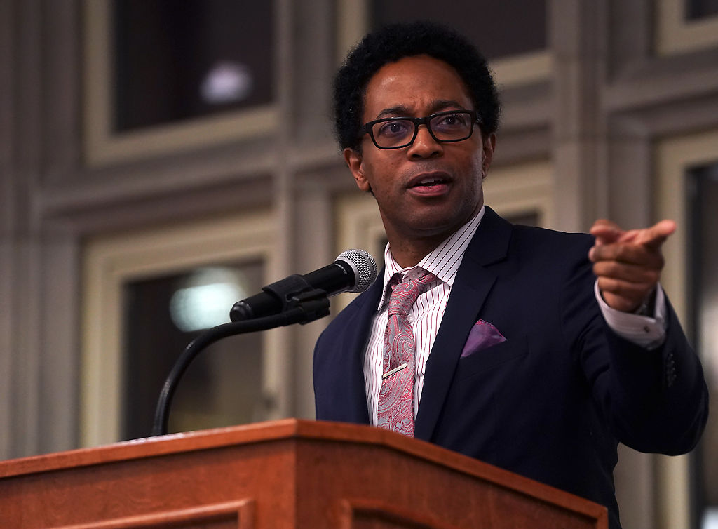 Wesley Bell speaks to the MU Black Law Student Association