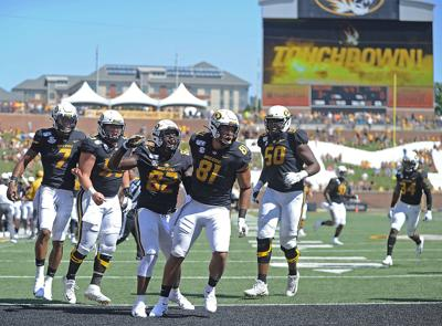 Kelly Bryant, Trystan Colon-Castillo, Daniel Parker, Albert Okwuegbunam and Hyrin White celebrate a touchdown