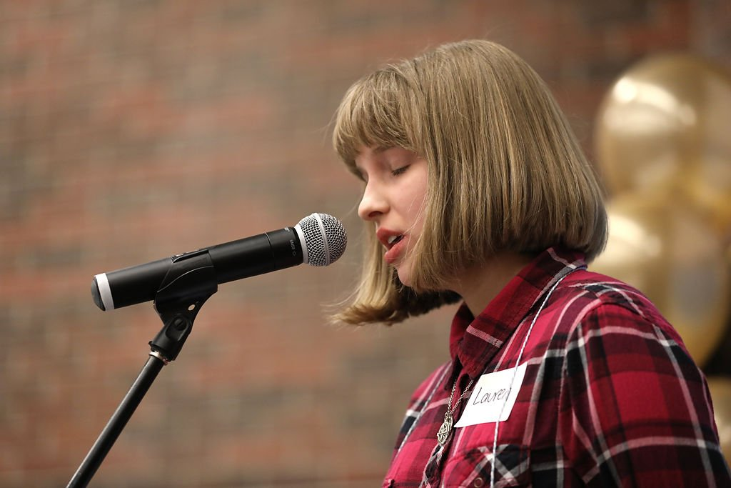 Lauren Holsapple, a home-schooled eighth-grader, wins regional spelling bee