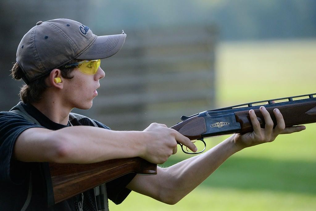 Leo Eisasser watches his shot