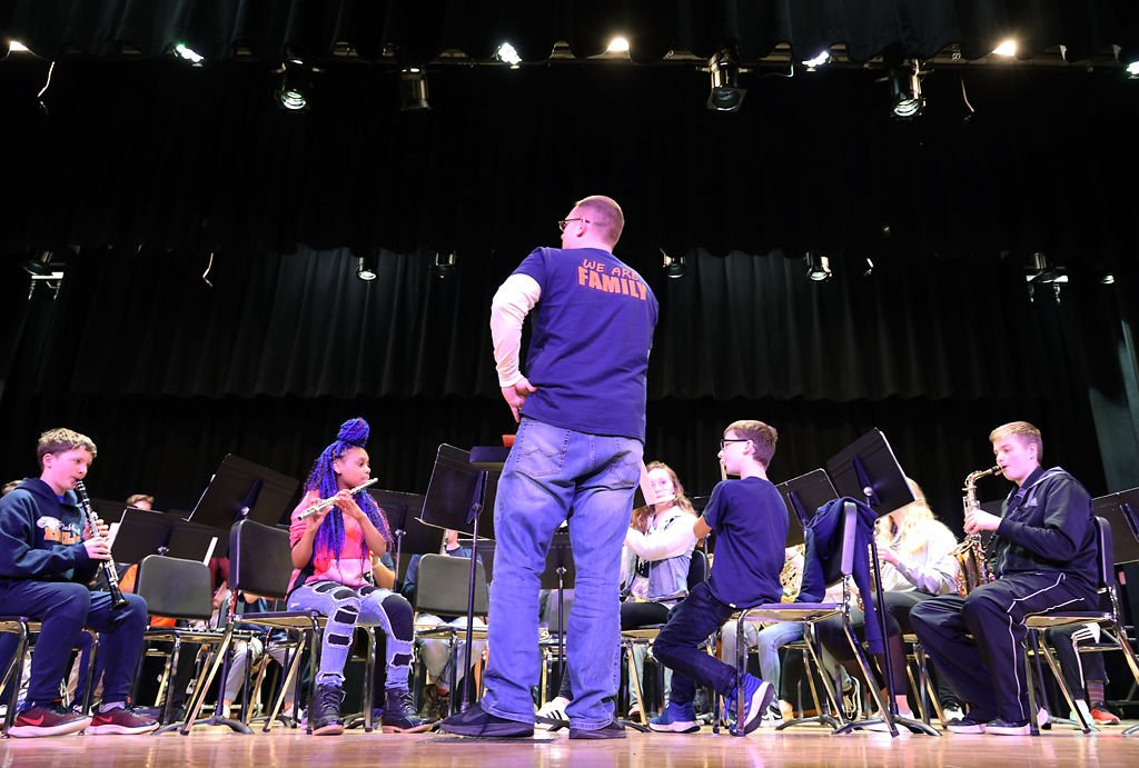 Oakland Middle School's eighth-grade band performs