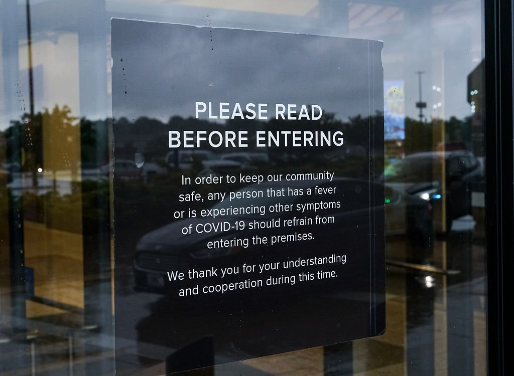 A notice on the entrance of Columbia Mall