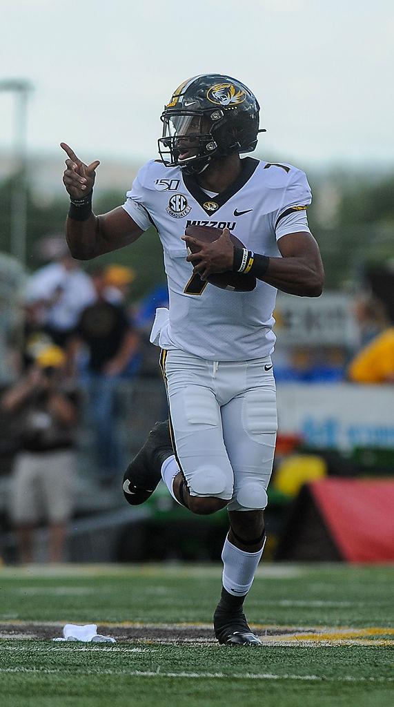Missouri quarterback Kelly Bryant runs ball during a game against Wyoming Cowboys (copy)