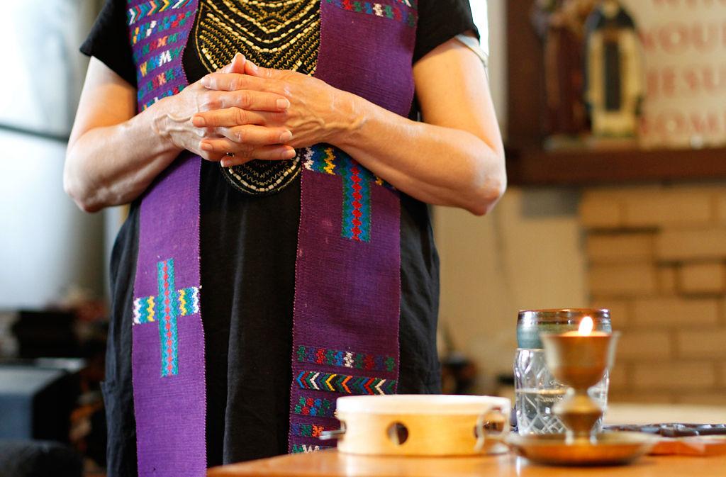 Female Catholic priest celebrates Mass at St. Francis House