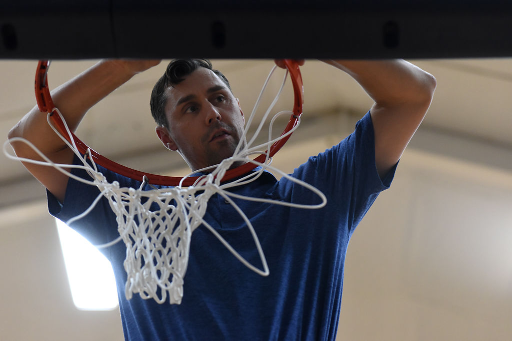 Drew Grzella replaces the net