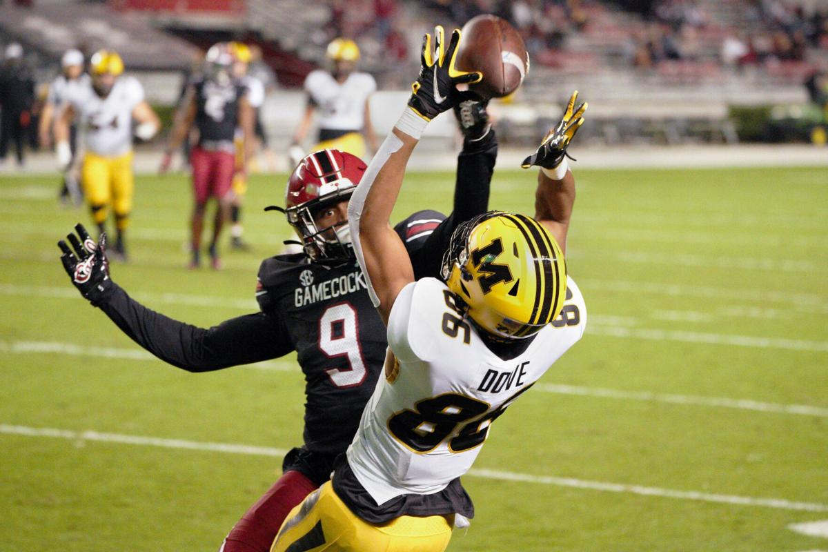 Tauskie Dove catches a touchdown pass