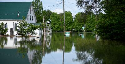 PHOTOS: Flooding continues to inundate central Missouri towns