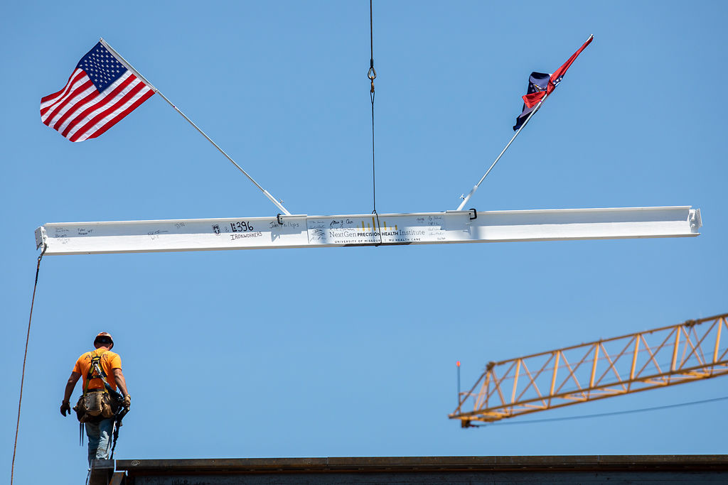 The I-beam is added to the NextGen Precision Health Institute building