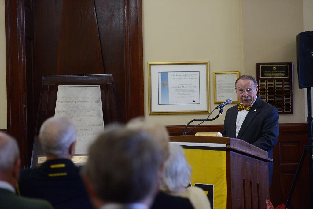 Chancellor Loftin thanks the Jefferson Club