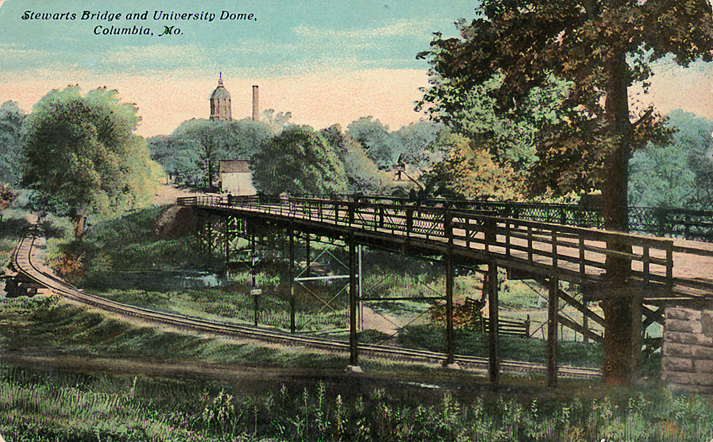 A postcard from 1910 illustrates the expanse of Stewart Bridge