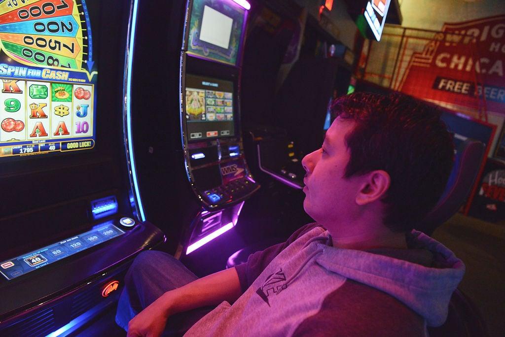 Gambling on video slot machines: Not everyone's a winner | State News |  columbiamissourian.com
