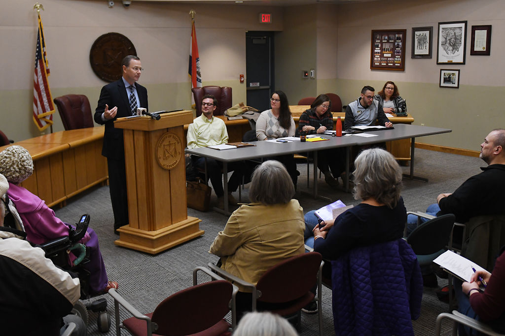 Treece and Kelly spar at mayoral candidate forum | Local