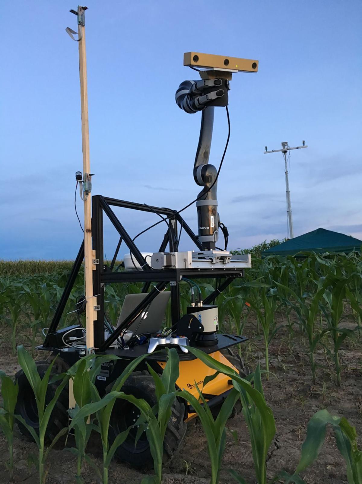 Vinobot inspects crops