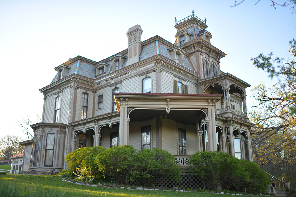 Julie and John Rolsen created a bed and breakfast in the Garth Woodside Mansion