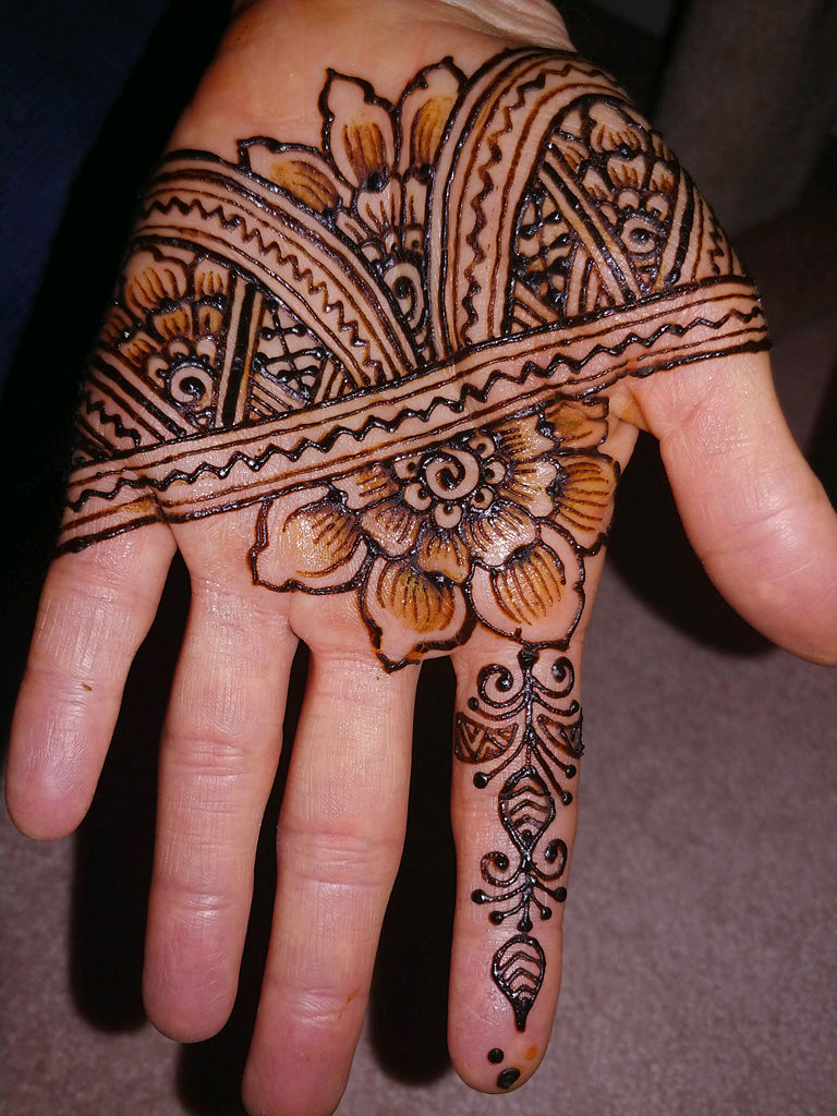 Henna And Tattoo Art: Columbia Artist Connects To Nature And Community Through