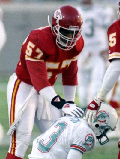 fe9fe92a 9 former Chiefs players join brain injury lawsuit | Sports ...