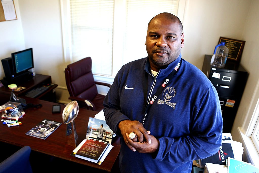 Former NFL player Mike Jones coaches at Lincoln University