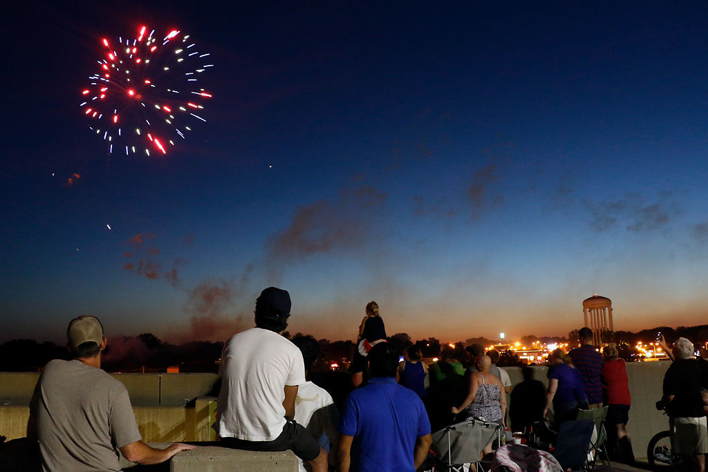 Fireworks dazzle in annual fire in the sky celebration local people watch the fire in the sky celebration solutioingenieria Gallery