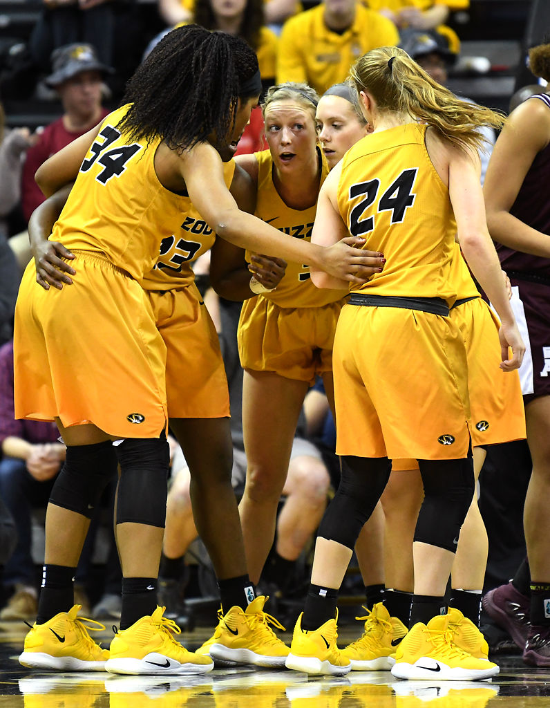 Sophie Cunningham talks to the MU women's basketball
